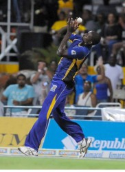 Jason Holder holds on to the catch to dismiss the #WorldBoss Chris Gayle