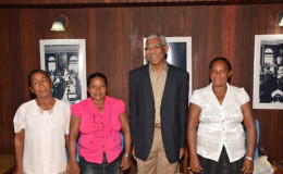From left- Lynette Adrian, Shenella Adrian, President David Granger and Deputy Toshao, Moraikobai, Mary Joseph at the Ministry of the Presidency  (GINA photo)