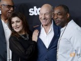 "Cast member Patrick Stewart (2nd R) poses with ""Star Trek"" franchise actors Michael Dorn (L) Marina Sirtis and LeVar Burton (R) during Los Angeles premiere of ""Blunt Talk"" at the DGA Theater in Los Angeles, California August 10, 2015. REUTERS/Kevork Djansezian"