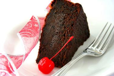 Black Cake (Photo by Cynthia Nelson)