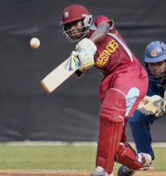 West Indies captain Stafanie Taylor top-scored with 43 in Sydney Thunder defeat.