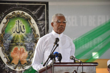 President David Granger addressing the gathering at the CIOG's Youman Nabi observance. (Ministry of the Presidency photo)