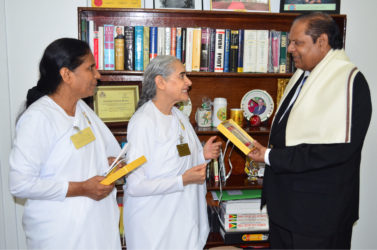 Renowned Brahma Kumaris Missionary for Peace, Sister Jayanti (centre), paid a courtesy call on Prime Minister Moses Nagamootoo on April 25, GINA said.Sister Jayanti was in Guyana for the celebration of 40 years of the Raja Yoga Centre.She was accompanied by Sister Jean, Coordinator of the Raja Yoga Centre.  (GINA photo)