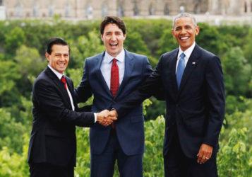 (L-R) Mexico's President Enrique Pena Nieto, Canada's Prime Minister Justin Trudeau and U.S. President Barack Obama pose for family photo at the North American Leaders' Summit in Ottawa, Ontario, Canada, June 29, 2016. REUTERS/Chris Wattie