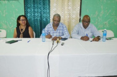 Chairman of the Parliamentary Sectoral Committee on Natural Resources, Odinga Lumumba (centre) and other committee members PPP/C Member of Parliament Pauline Sukhai (left) and APNU+AFC Member of Parliament Audwin Rutherford. (GINA photo)