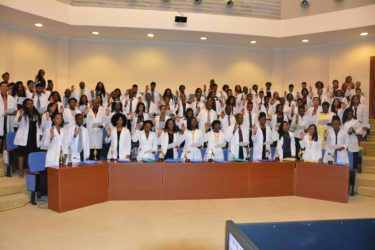 The graduates were required to take the Hippocratic Oath, during the ceremony (Ministry of the Presidency photo)