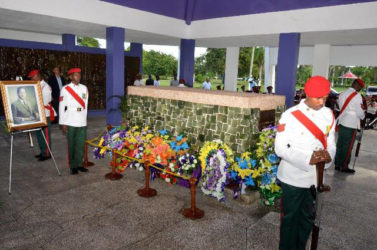 The Mausoleum with soldiers adopting a traditional stance of respect. (Ministry of the Presidency photo)