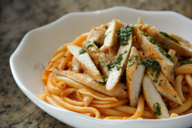 Pasta with Marinara Sauce & Chicken with Basil Pesto (Photo by Cynthia Nelson)