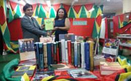 The Head of the Chancery urged the students to make use of the books.  (Indian High Commission photo)
