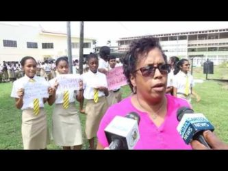 QC students protest canteen plan
