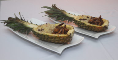 teriyaki-prawns-pineapple-boat