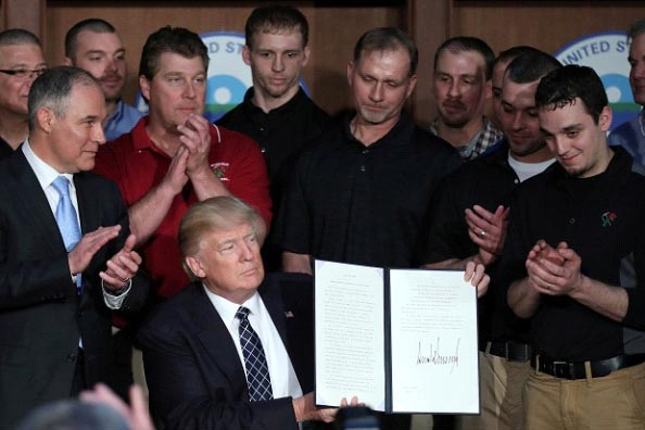 Trump signs order to shorten project permitting process