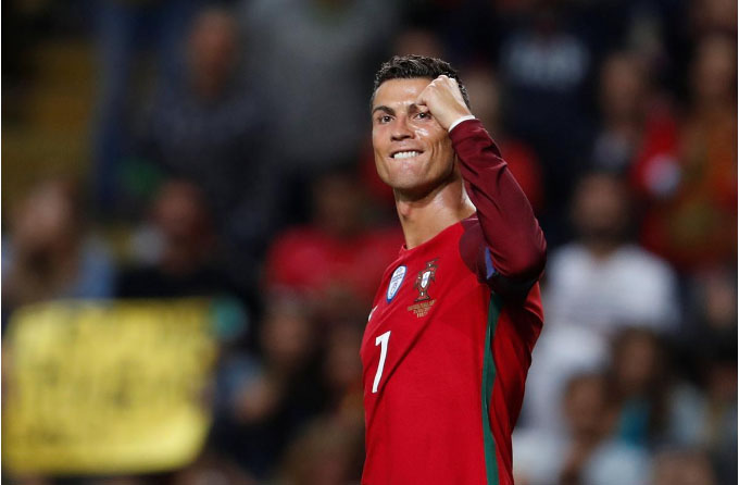 Ronaldo scores 3 in Portugal win, passes Pele in goals table