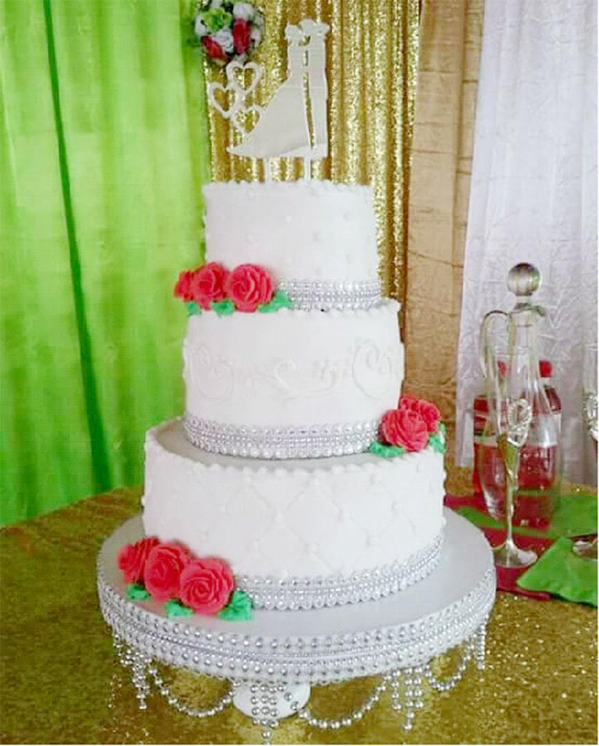 Teacher Amina Khan gets high marks as cake-maker, decorator ...