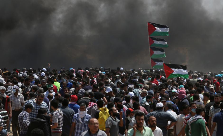 Israeli military sends aid to Gaza