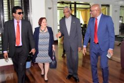 President meets Opposition Leader: President David Granger (second from right) with Opposition Leader Bharrat Jagdeo (right) , PPP Chief Whip, Gail Teixeira (third from right) and former Attorney General Anil Nandlall at State House yesterday.  (Ministry of the Presidency photo)