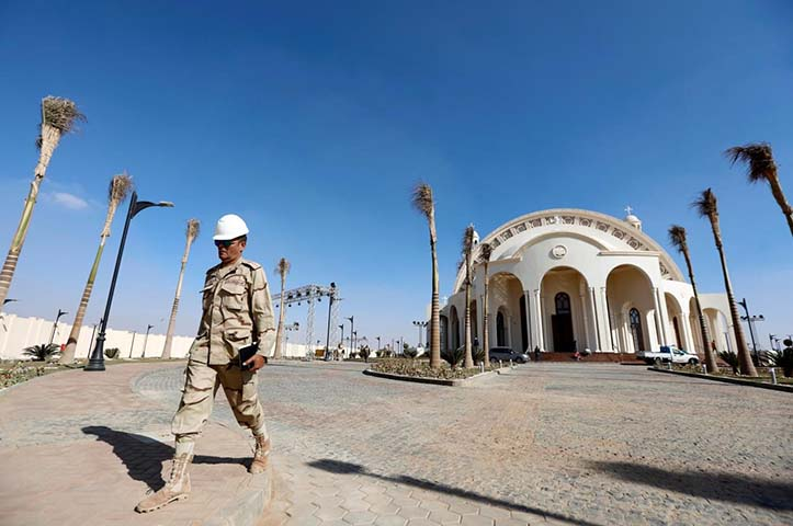 Egypt's Sisi inaugurates cathedral, mosque in new capital