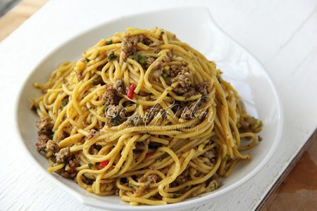 No rules – Chow Mein can be made with minced meat too (Photo by Cynthia Nelson)