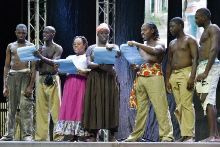 A dramatic piece being done by members of National Drama Company. (Ministry of the Presidency photo)