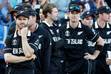 FLASHBACK! FILE PHOTO: Cricket - ICC Cricket World Cup Final - New Zealand v England - Lord's, London, Britain - July 14, 2019. New Zealand's Kane Williamson and teammates looks dejected as they await their runners up medals Action Images via Reuters/Peter Cziborra