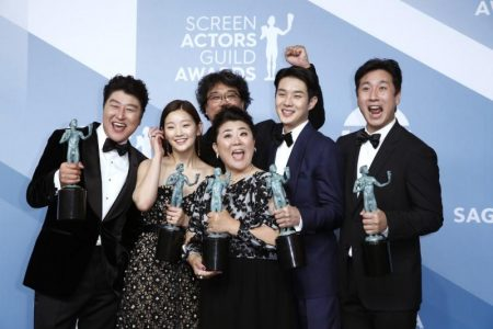 """26th Screen Actors Guild Awards - Photo Room - Los Angeles, California, U.S., January 19, 2020 - The cast of """"Parasite"""" poses backstage with their Outstanding Performance by a Cast in a Motion Picture award. REUTERS/Monica Almeida"""