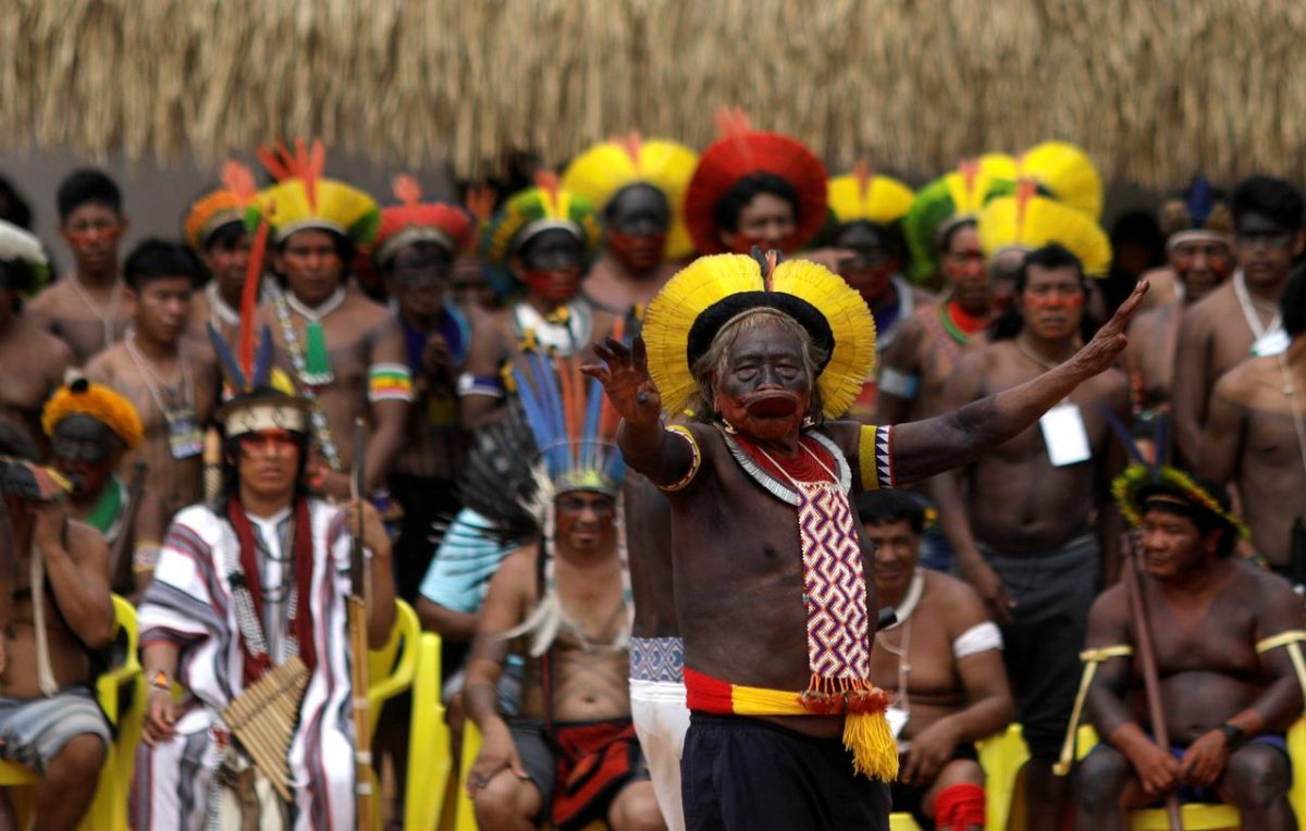 Indigenous leader Cacique Raoni of Kayapo tribe delivers a speech during a four-day pow wow in Piaracu village, in Xingu Indigenous Park, near Sao Jose do Xingu, Mato Grosso state, Brazil, January 17, 2020. REUTERS/Ricardo Moraes