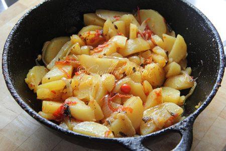 Fried Potatoes/Aloo (Photo by Cynthia Nelson)