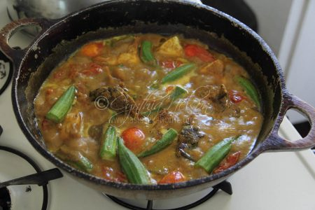 Fish Curry cooking (Photo by Cynthia Nelson)