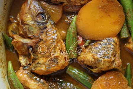 Fish Curry with Mangoes and Ochroes (Photo by Cynthia Nelson)