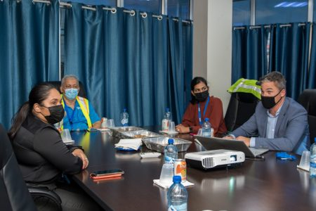 First Lady Arya Ali (left) in discussion with GYSBI officials (Office of the First Lady photo)