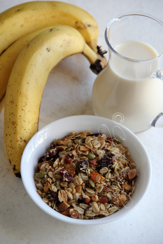 Granola, Banana & Milk for a Shake (Photo by Cynthia Nelson)