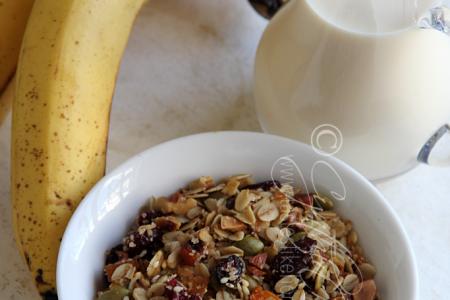Granola, Banana & Milk for a Shake (Photo by Cynthia Nelson)