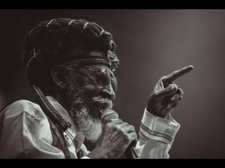 Bunny Wailer died yesterday morning at the Medical Associates Hospital in Kingston. He was 73.